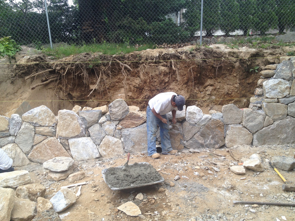 How To Build A Thin Stone Retaining Wall